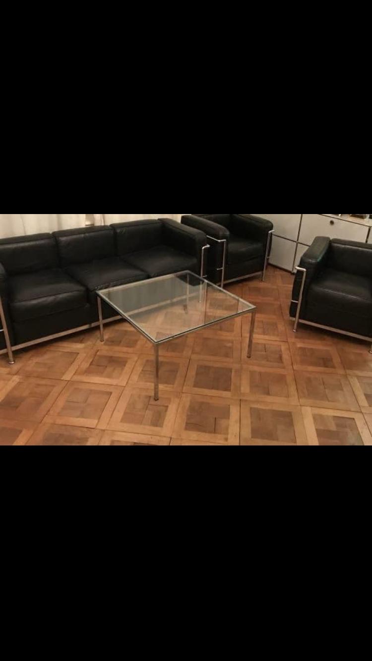 sofa neu beziehen mit kunstleder oder leder schwarz. Black Bedroom Furniture Sets. Home Design Ideas